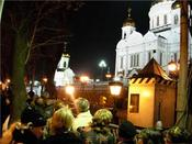 Yeltsin_last_respects_church_of_the