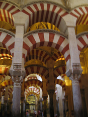 Cordoba_mezquita_mosque_forest_of_red_an