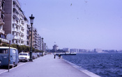 Thessaloniki_paralia_and_white_tower_goo